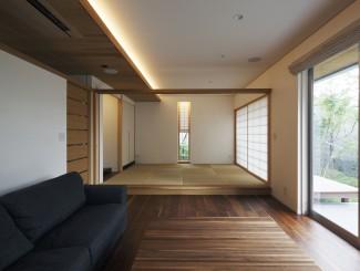 米ヒバ材のガラス戸