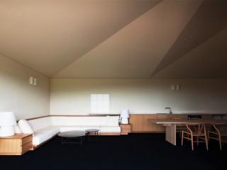 なら材のキッチン・ソファ・家具