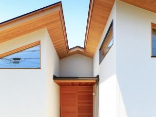 ピーラー材の玄関戸・なら材の建具・障子